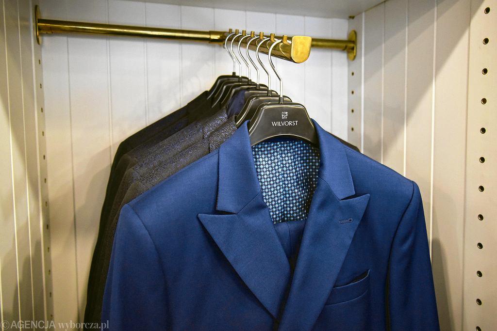432738b1e8ebe Pracownia Dyplomata - wypożyczalnia i sklep z garniturami, frakami,  koszulami i muszkami. /