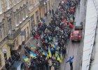Ukraina protestuje. Lw�w idzie na wagary, portrety Janukowycza na choince w �ucku