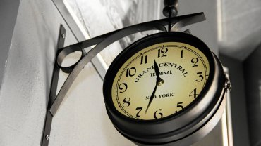 Uwaga: dzi� przestawiamy zegarki! Po co nam zmiana czasu?