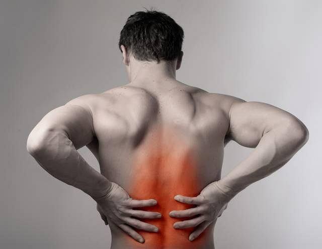 Uraz, choroba bądź naturalny proces starzenia się organizmu to najczęstsze przyczyny zmian w układzie kostnym