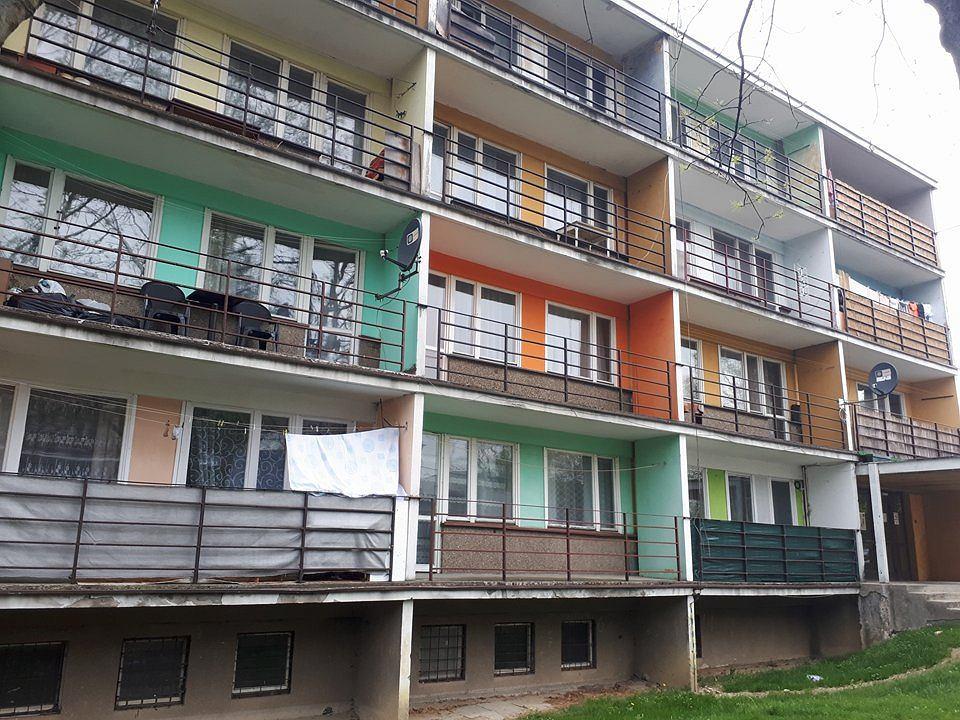Blok - tzw. hotel pielęgniarski - przy Szpitalu Wojewódzkim im. św. Łukasza w Tarnowie