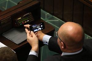 OKO.press: Sejm wypożyczył sprzęt do głosowania z bazaru w Hali Mirowskiej