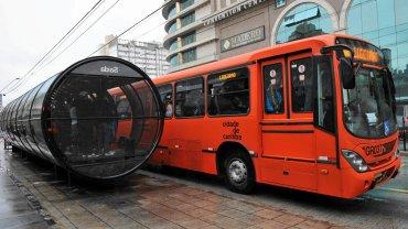 Pierwszy system BRT (Bus Rapid Transport) powstał w brazylijskim mieście Kurytyba. Zdjęcie z roku 2010