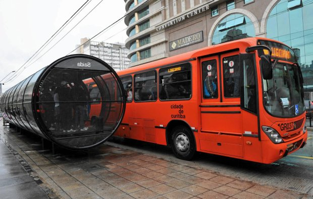 Metrobusy zast�pi� tramwaje? Jest rewolucyjny pomys�