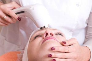 Medycyna estetyczna: Abrazja wilgotna, czyli jesienny sposób na gładką skórę