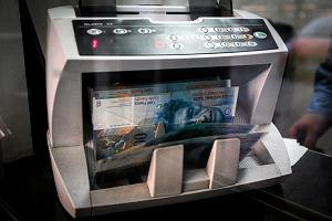Frank szwajcarski najdroższy od października. Raty kredytów w górę