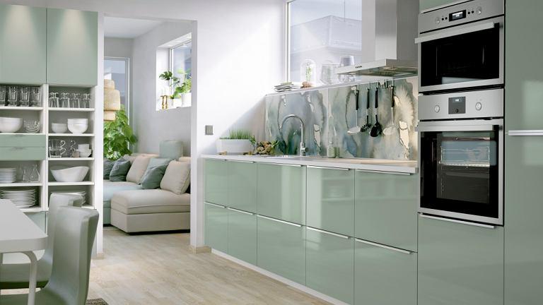 Świeży odcień zieleni działa w kuchni odświeżająco.