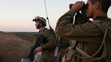 Izraelscy żołnierze podczas zwiadu