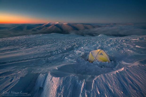 Samotny namiot w Bieszczadach