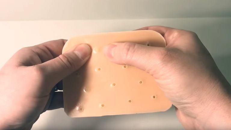 Symulator wyciskania pryszczy na odstresowanie