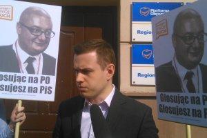 """Kami�ski o rezygnacji kandydat�w PO: """"Pewnie by�em za silny"""""""
