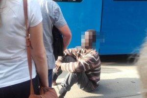 Czarnoskóry, chory psychicznie mężczyzna zablokował tramwaje. Kraków zalał hejt