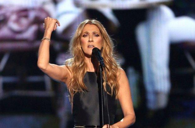 Celine Dion wystąpiła podczas rozdania nagród American Music Awards, które dziś w nocy odbyło się w Stanach. Wykonała piosenkę, którą zadedykowała ofiarom zamachów dokonanych w Paryżu przez terrorystów.