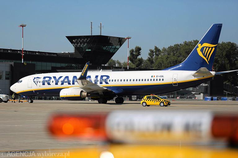 02.09.2017 , samolot Ryanair na lotnisku w Krakowie