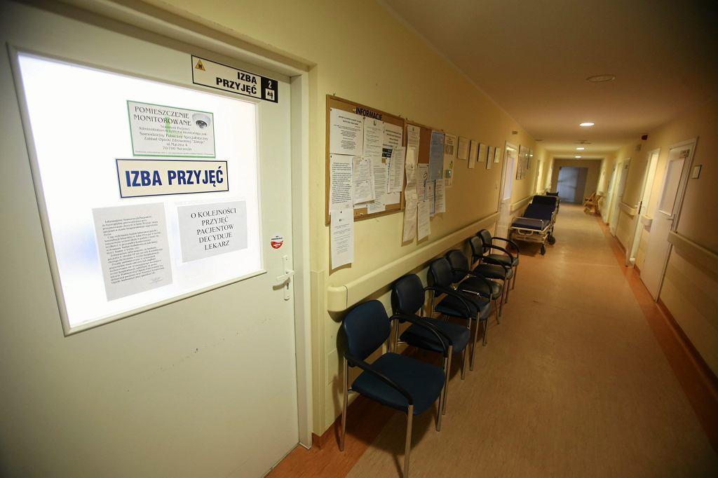 Zdaniem lekarzy w walce z rakiem medycyna alternatywna jest bezradna (fot. Cezary Aszkielowicz / Agencja Gazeta)