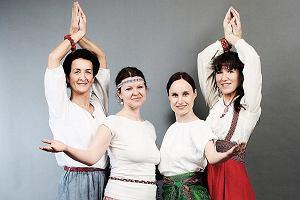 Słowiańska joga czy czarownice na wf-ie? Najpierw szałwią okadzamy łono i uda