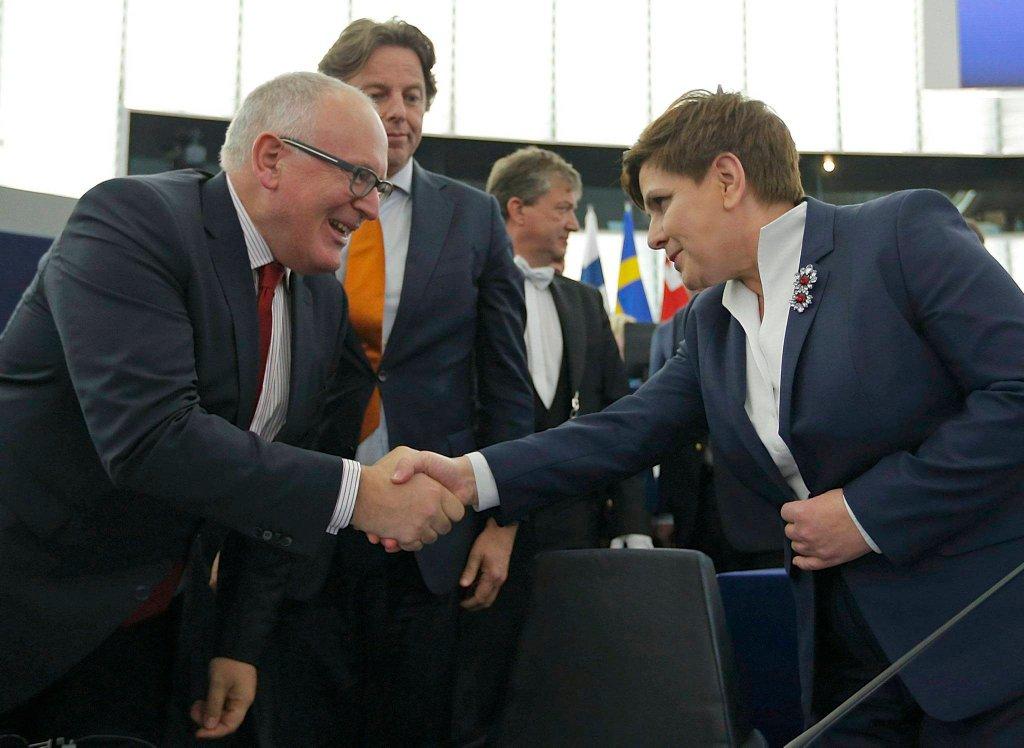 Frans Timmermans i Beata Szydło przed debatą Parlamentu Europejskiego dot. sytuacji w Polsce