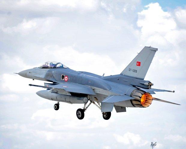 F-16 tureckich si� powietrznych