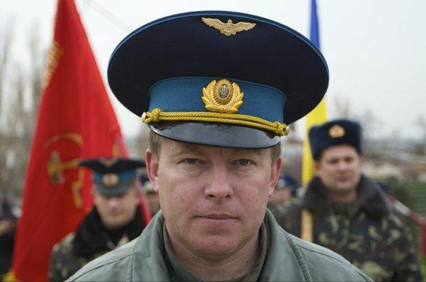Dziennikarze mylili jego nazwisko, a teraz znaj� je wszyscy. Ukrai�ski bohater - p�k Julij Mamczur