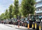 Wiesz, jak skuteczna jest armatka wodna? Starcie rolników z policją w Brukseli pokaże ci to najlepiej [WIDEO]