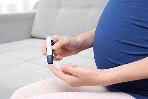 Krzywa cukrowa w ciąży - co to za badanie, kiedy jest wykonywane i jaki ma wpływ na przebieg ciąży?
