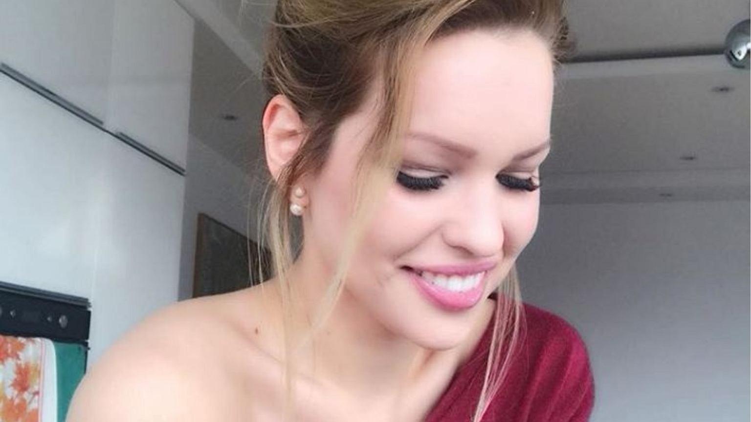 Partnerka Durczoka wrzuciła do sieci zdjęcie swoich NAGICH piersi. Jej tłumaczenie? Jeszcze bardziej się pogrążyła