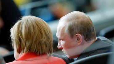 Władimir Putin i Angela Merkel na trybunach podczas finału mundialu