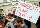 Protest na uniwersytecie. Nie chc� pisa� prac na akord [WIDEO]
