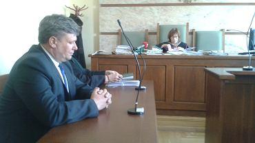 Sąd Okręgowy w Kielcach 26.03.2018, rozprawa między starostą ostrowieckim Zbigniewem Dudą (z lewej) a wiceprezydent Ostrowca Marzeną Dębniak