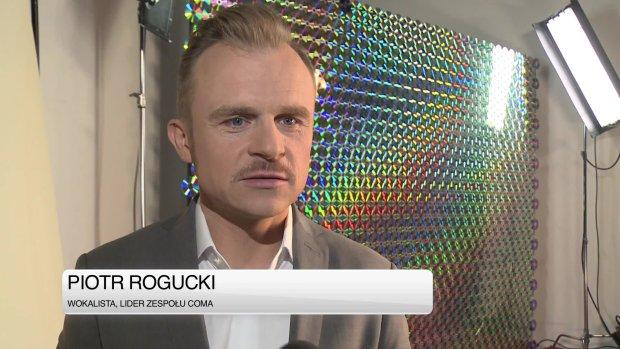 """Piotr Rogucki opowiedział o tym, co zobaczymy w najnowszej edycji muzycznego show Polsatu. W """"Must Be The Music"""" pojawi się masa """"kolorowych"""" wykonawców. Nie jest to coś, co go satysfakcjonuje. Cieszy się za to z innej rzeczy - poprawy jego relacji z Korą. Zobaczcie, co powiedział i jak skomentowała to wokalistka."""
