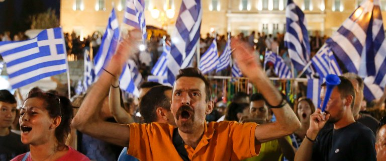 Grecy na pewno wyjd� ze strefy euro? Bynajmniej. Ich negocjatorzy s� ju� spakowani. Cel: Bruksela