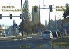 Drog�wka �ciga za jazd� na czerwonym �wietle [FOTO, WIDEO]