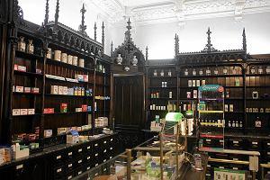 Apteka przy Nowym Świecie działa od 165 lat. Zastąpi ją sklep z alkoholem?