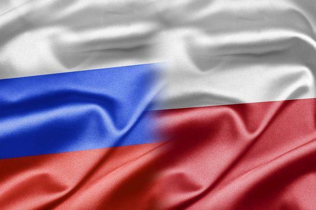 Polacy i Rosjanie o sobie. Po katastrofie smole�skiej utkn�li�my. Nie mo�emy przej�� do cieplejszych stosunk�w [BADANIA]