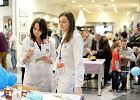 Tak�e lekarze-rezydenci chc� podwy�ki pensji i walcz� o ni�. B�dzie protest w Warszawie