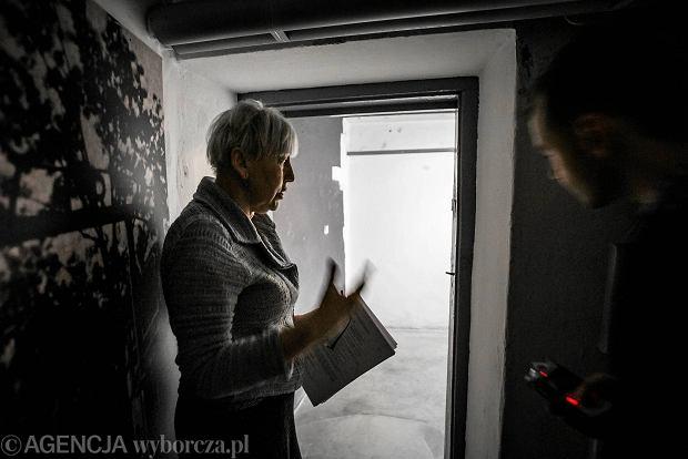 Zdjęcie numer 0 w galerii - Niezwykłe znalezisko w byłej katowni Gestapo. Nieznane napisy więźniów wyryte na ścianach [ZDJĘCIA]