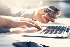 Od dziś podstawowy rachunek płatniczy w każdym banku. Masz dosyć opłat za konto? To może być rozwiązanie