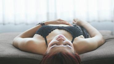 Spanie w biustonoszu może prowadzić do problemów ze zdrowiem
