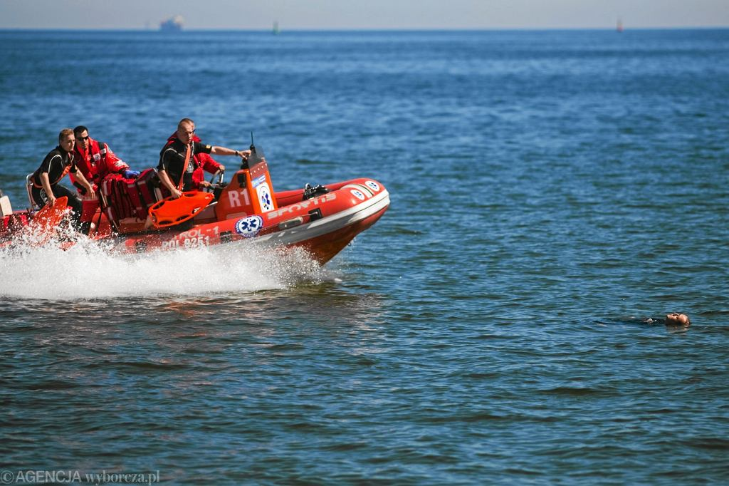 Co piąte utonięcie zdarzyło się w miejscu niestrzeżonym. Tylko 4% tragicznych wypadków miało miejsce nad morzem, pozostałe 96% to rzeki, stawy, jeziora i zalewy (fot. Renata Dąbrowska / Agencja Gazeta)