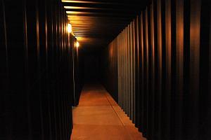 Strach we wnętrzu kopalni. Do niezwykłej pracy Mirosława Bałki można już wejść w Muzeum Śląskim w Katowicach
