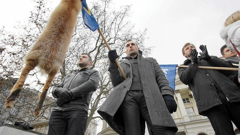 KORWiN manifestował na placu Wolności w Poznaniu w sobotę w samo południe - w porze demonstracji KOD i Strażników Demokracji (Nowoczesnej)
