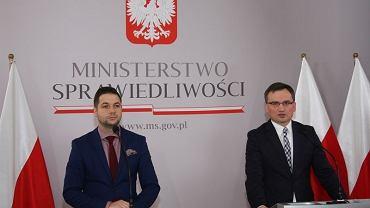 Minister Sprawiedliwości Prokurator Generalny Zbigniew Ziobro oraz Sekretarz Stanu w Ministerstwie Sprawiedliwości Patryk Jaki