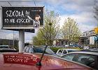 Billboardy przypominają przed Wielkanocą, że szkoła to nie kościół. To atak na osoby wierzące?