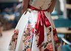 Sukienka w kwiaty - wzór idealny na wiosnę