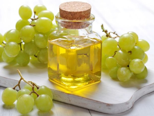 Olej z pestek winogron - dobry nie tylko do jedzenia