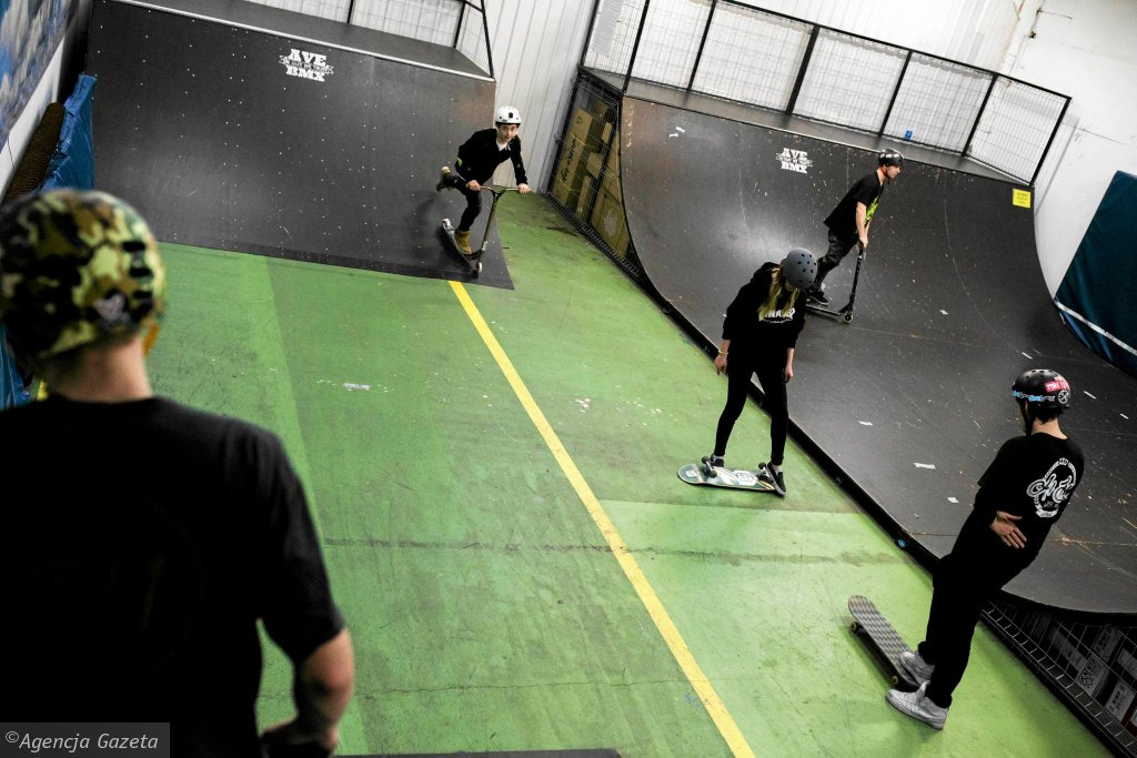 Skatepark Ave Spot we Włochach / ADAM STĘPIEŃ