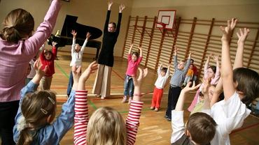 Dzieci na lekcjach muzyki