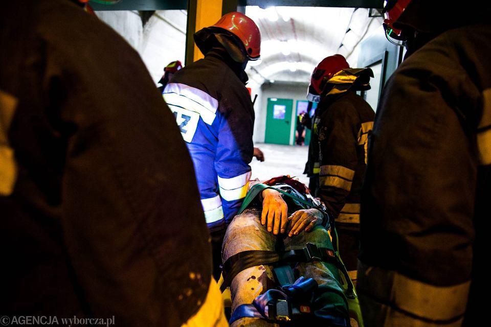 Zdjęcie numer 19 w galerii - Symulacja karambolu z kilkudziesięcioma rannymi. Duże ćwiczenia w tunelu pod Martwą Wisłą [ZDJĘCIA]