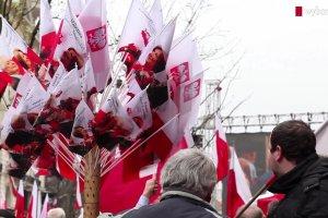 """Poranne obchody 6. rocznicy katastrofy smoleńskiej. """"Brawo, Beata, damy radę!"""""""