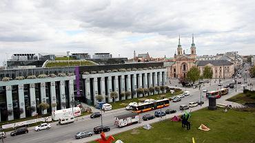 Warszawa, plac Krasińskich. Widok na gmach Sądu Najwyższego z siedziby Biblioteki Narodowej
